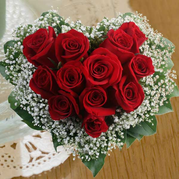 Beautiful 12 Red Roses