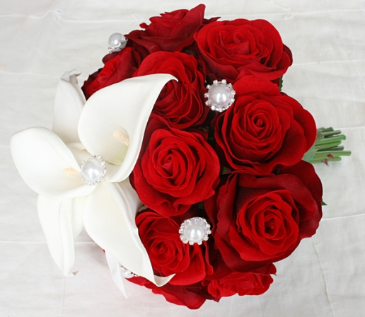 Red Bouquets For Weddings