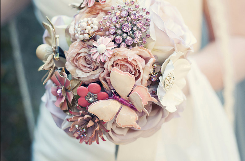 Alluring Bridal Bouquets Online