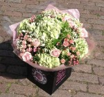 Pretty Flower Shops That Deliver Near Me