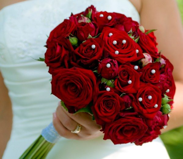Lovely Rose Wedding Bouquets